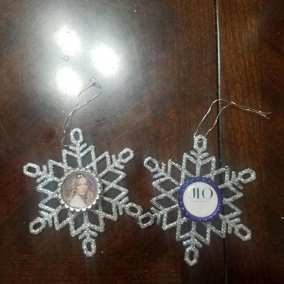 Jennifer Lopez Bottle Cap Snowflake Ornaments